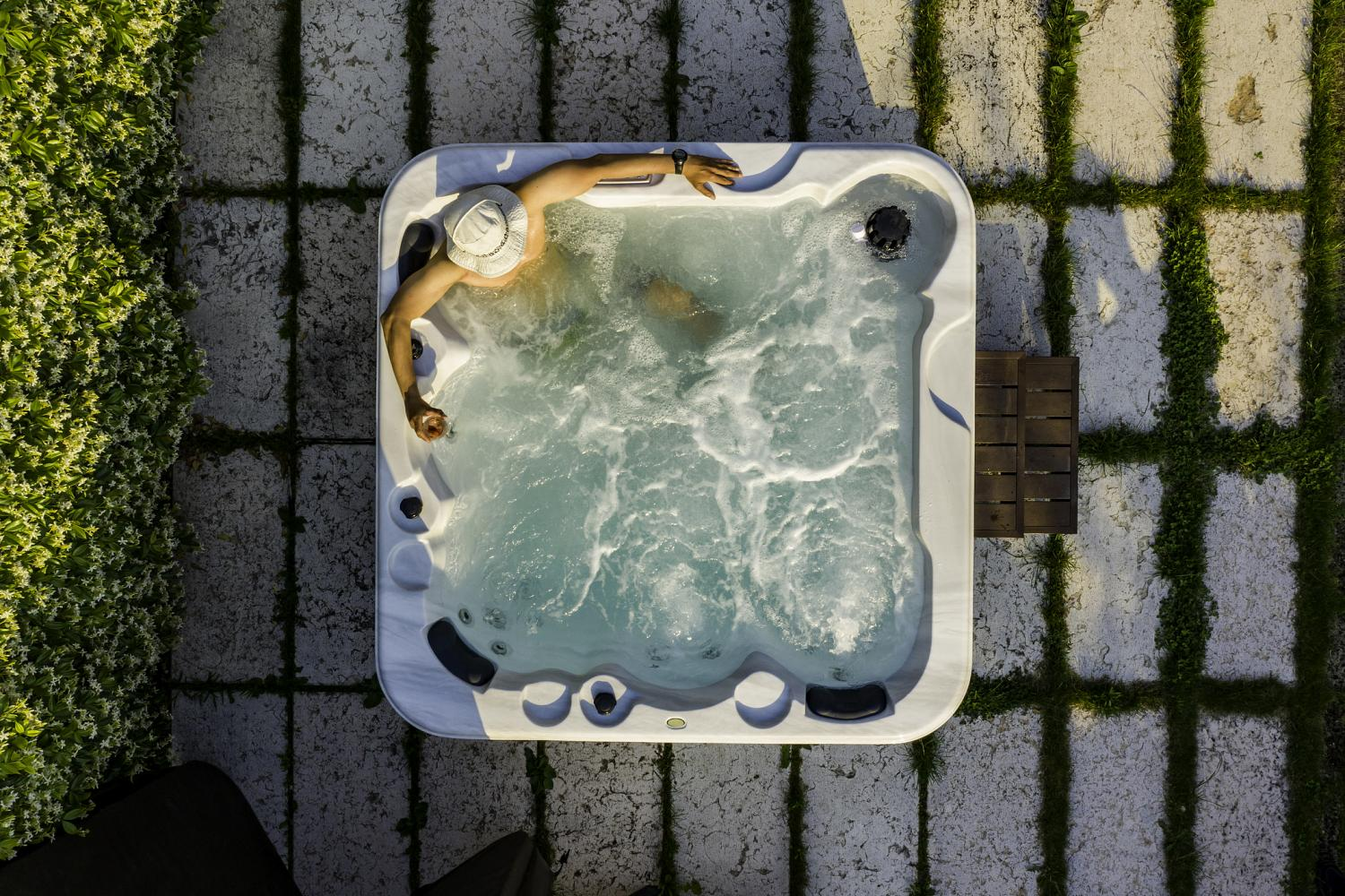 How to Choose the Perfect Hot Tub Location